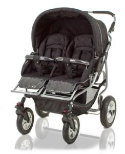 Breiter Kinderwagen für Zwillinge